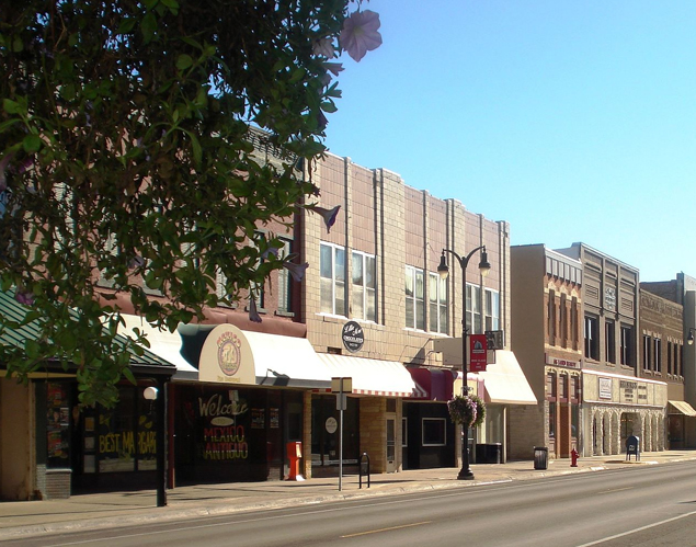 Streetfront view of downtown Marshalltown, IA